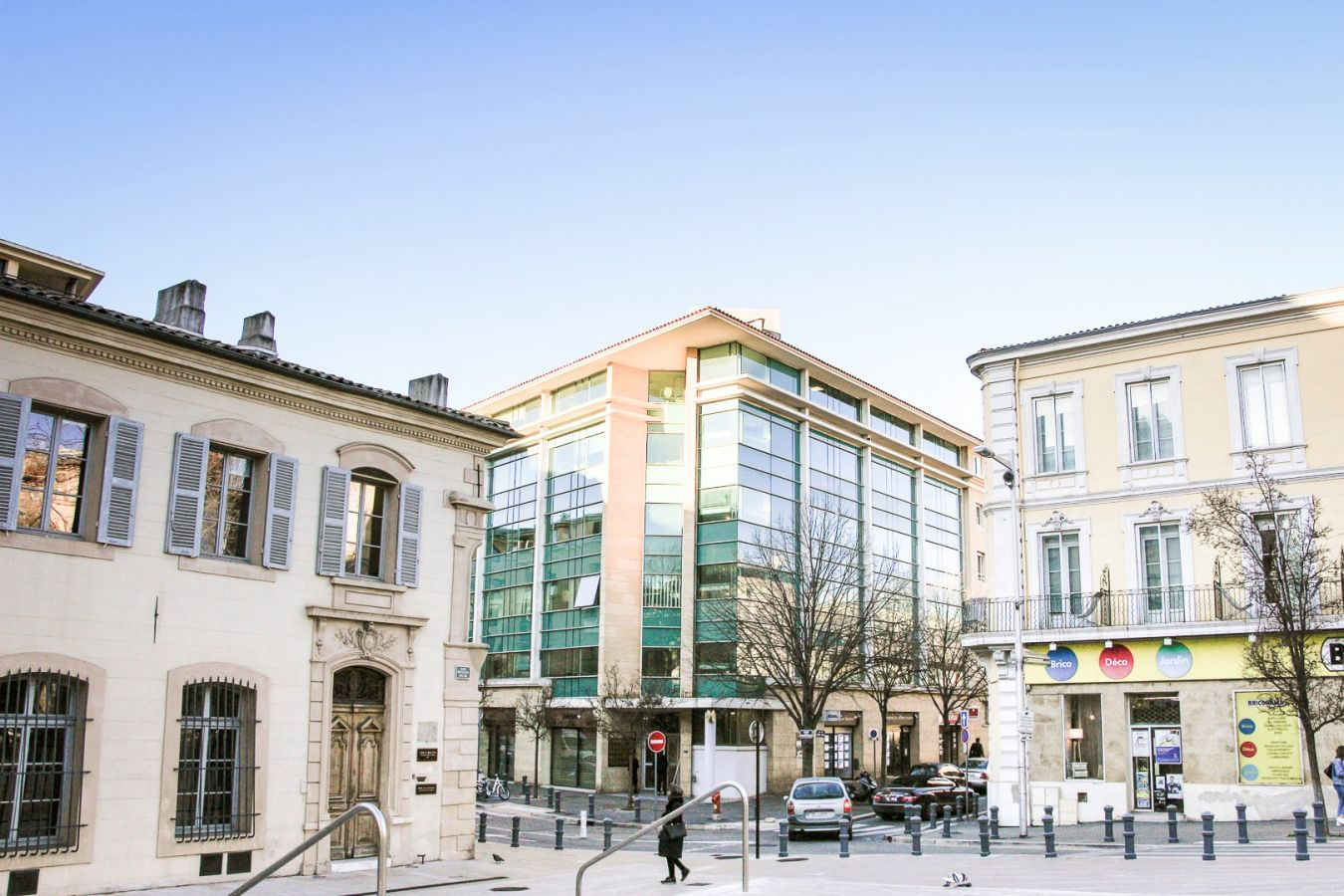 new place in Aix-en-Provence